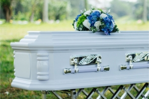 serenity-casket-package-solemn-tribute-03
